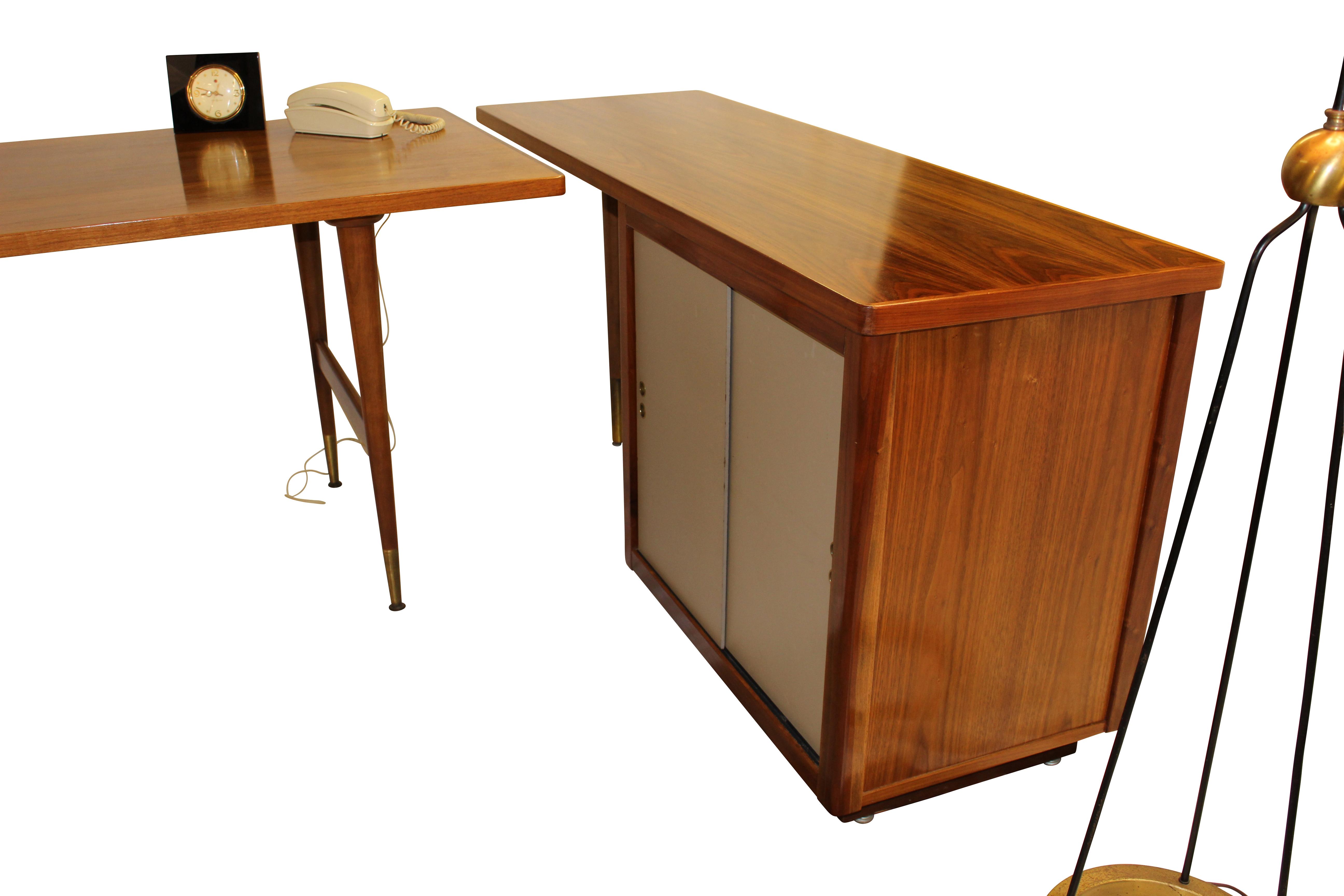 Standard Furniture Co Walnut Desk suiteGre Stuff