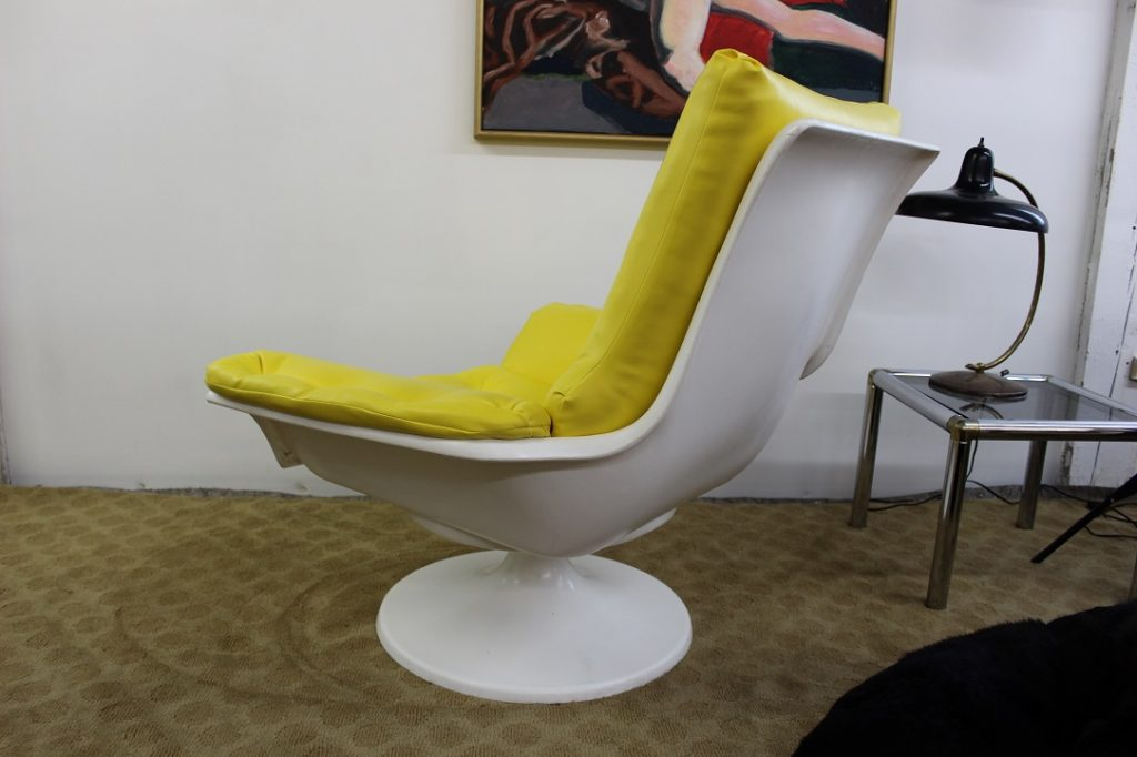 1970 s resin and vinyl chair